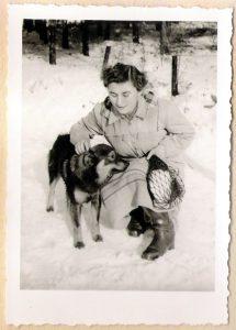 Hund im Winter 1952