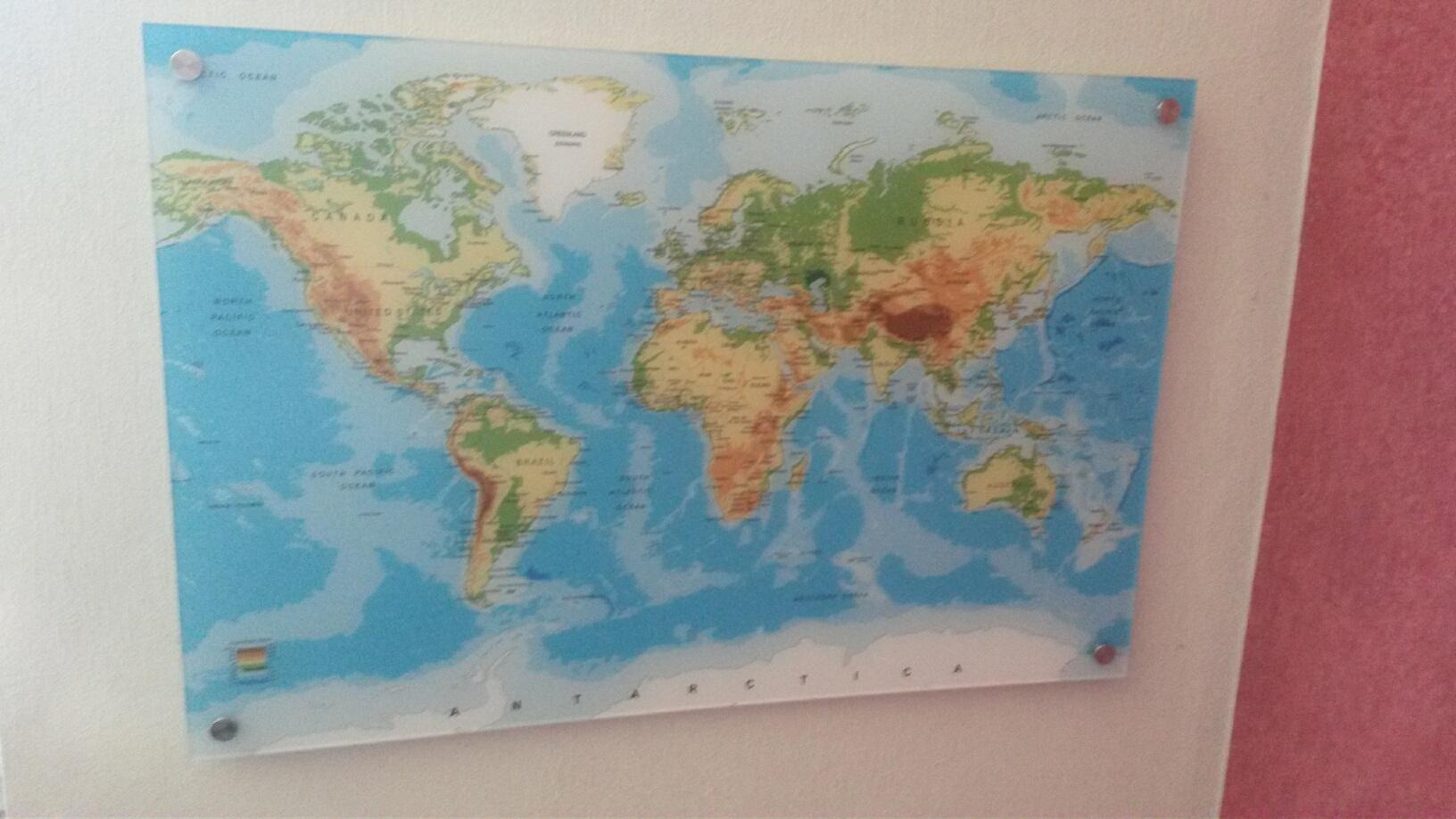 Die Welt hinter Acrylglas