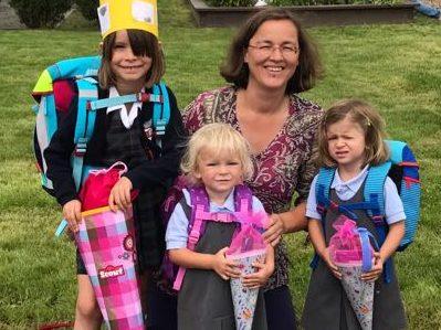 Erster Schultag in drei Etappen